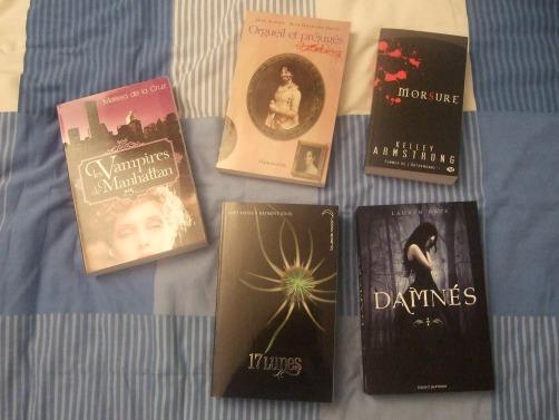 Et pour finir, les livres!!! (forcément hein ^^) Les vampires de Manhattan, Orgueil et préjugés et zombies, Morsure, 17 lunes et Damnés!
