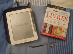 Le FnacBook (lecteur de ebooks) et un Alamaniak. (un livre est présenté pour chaque jour de l'année)
