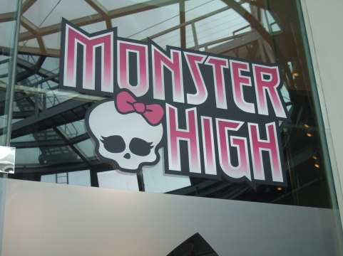 [Photo] Monster high - Toy's r us